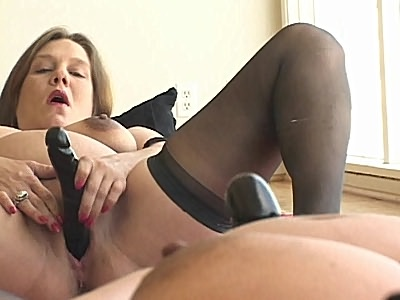 Pregnant Babe Toy nooky Her Pussy